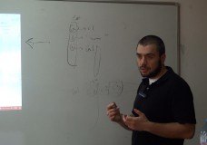 Radoslav Nikolov giving an Introduction to R
